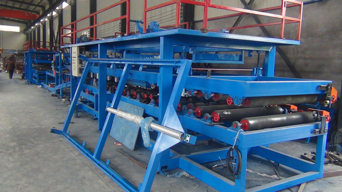 Waterproof Sandwich Panel Roll Forming Machine Suitable For Color Coating Coil